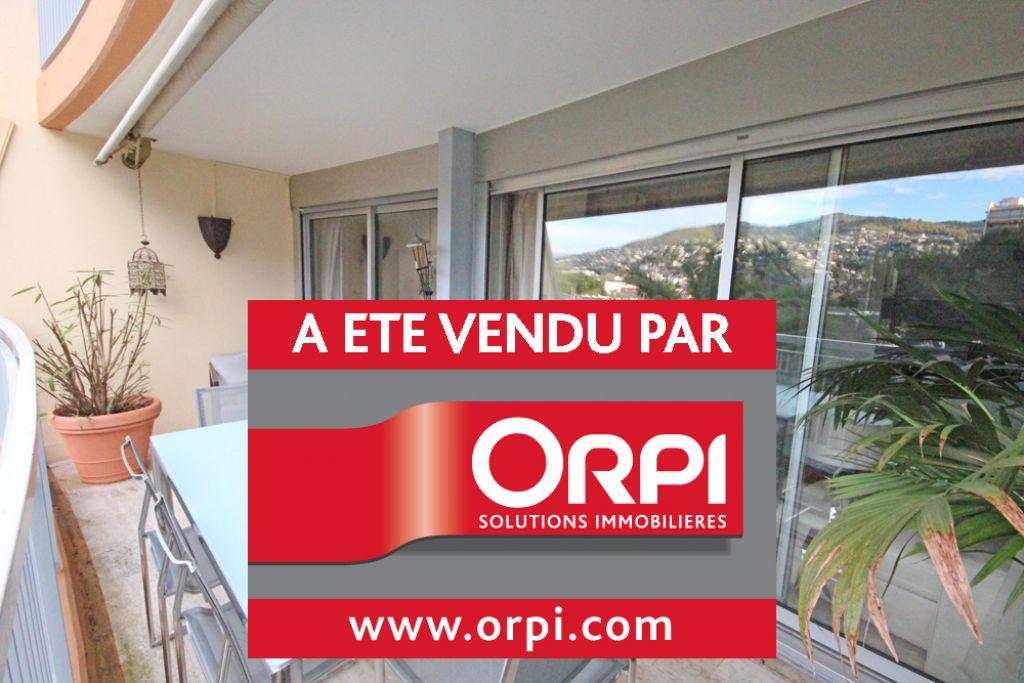 PETIT BIJOUX de 2 pièces avec cuisine neuve, large terrasse, parking et cave à la vente à Mandelieu